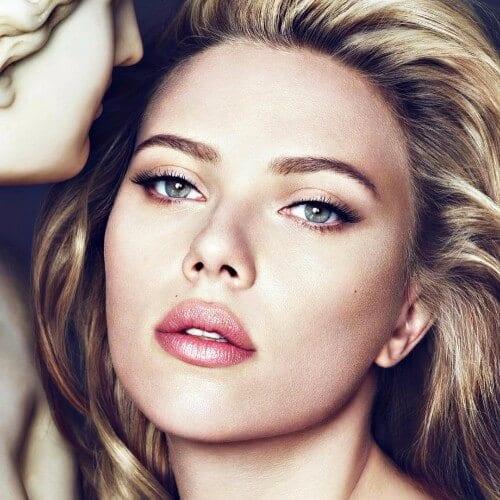 Scarlett Johansson dirty blonde hair