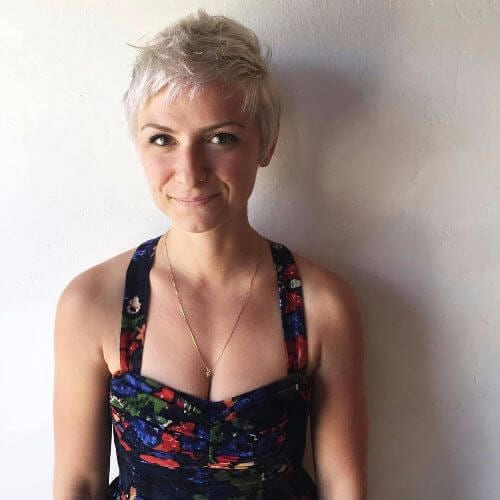 layered pixie cut short hairstyle for thin hair
