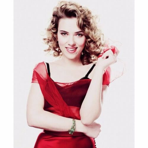 celebrity hairstyle for short curly hair Scarlett Johansson
