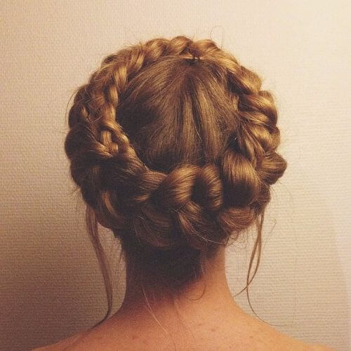 Box braids bun