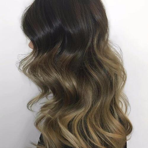 loose waves in black hair color