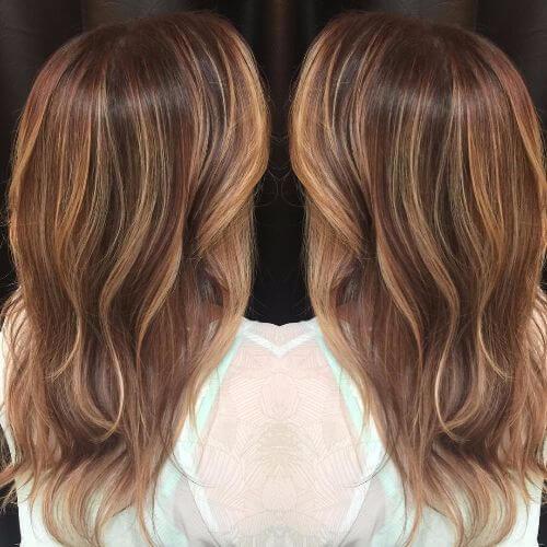 wavy hair with caramel highlights
