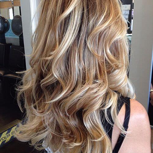 caramel highlights on dirty blonde hair