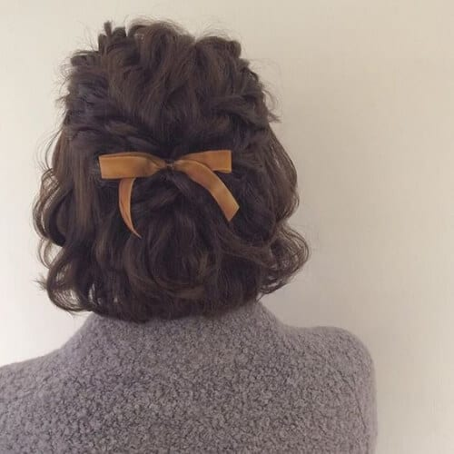 bow short haircuts for curly hair