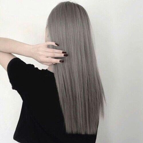 blunt cut long straight grey hair