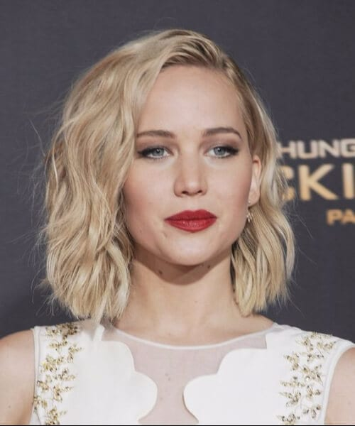 jennifer lawrence wavy shoulder length hairstyles