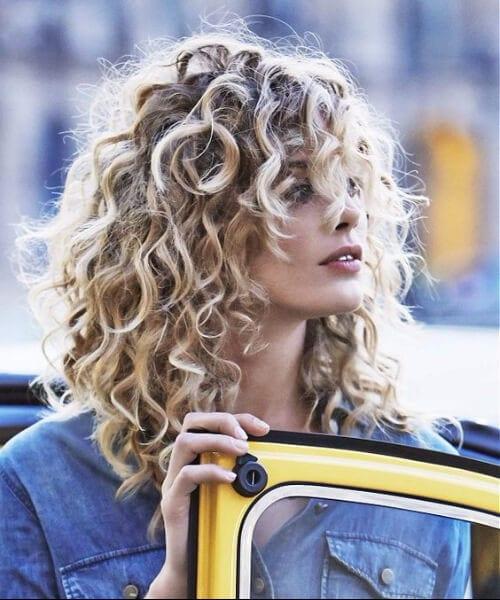 long blonde curls shoulder length hairstyles