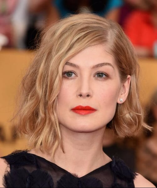rosamund pike shoulder length hairstyles