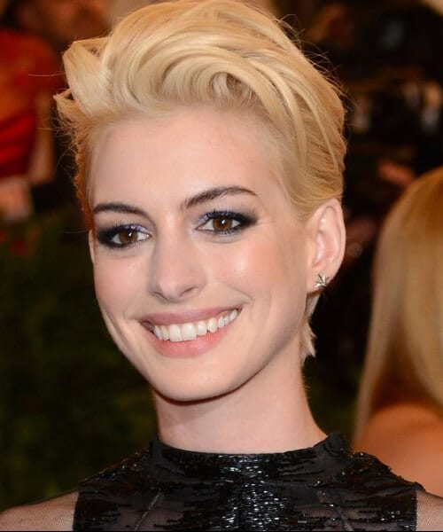 anne hathaway short blonde hair