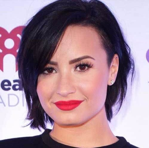 demi lovato haircuts for round faces