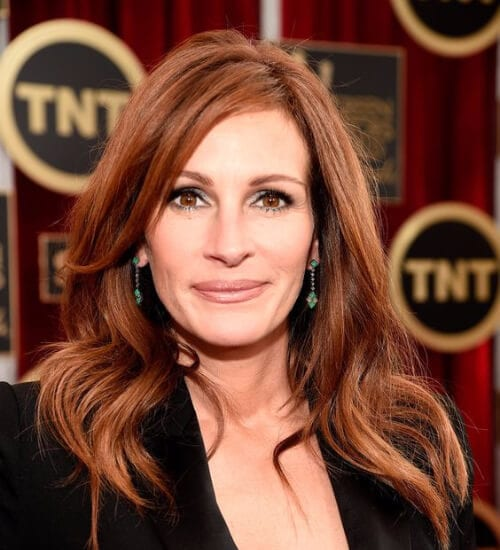julia roberts auburn hair color