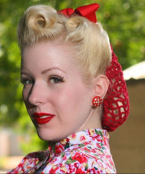 red snood pin up hairstyles