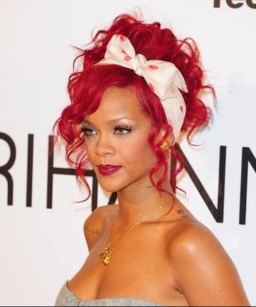 rihanna curly pin up hairstyles