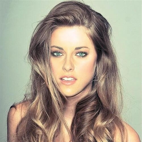Kristen Stewart brown hair with blonde highlights