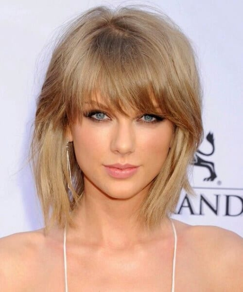 taylor swift short hair with bangs
