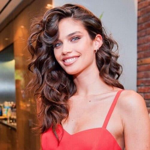 sara sampaio long curly hairstyles