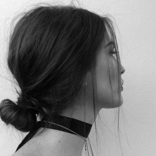 Straight & undone low bun hairstyles for straight hair