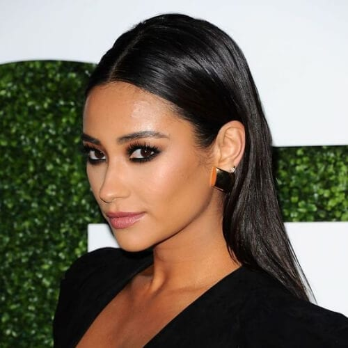 sultry hairstyles for straight hair
