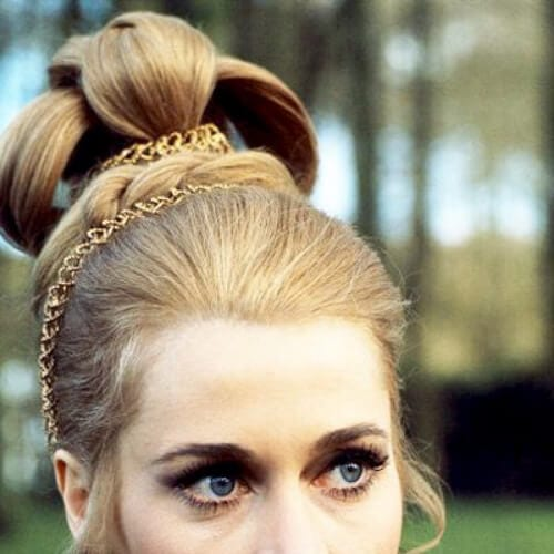 Jane Fonda hairstyles photographed by Francois Gragnon on the set of of the film 'Histoires Extraordinaires', 1967