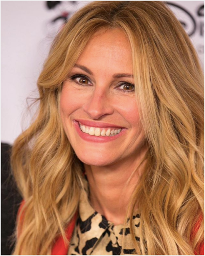 julia roberts wavy strawberry blonde hair