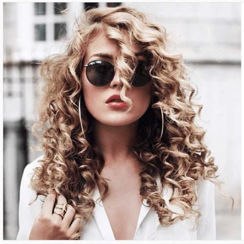 Delicate Hairstyles for Curly Hair