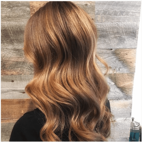 light brown wavy caramel highlights