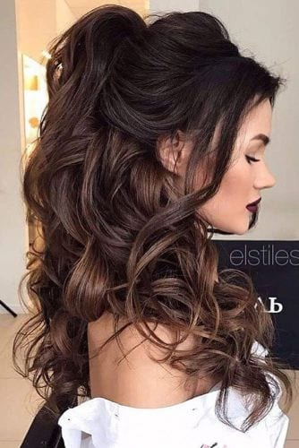 Voluminous, Pin-Up Style Half Up