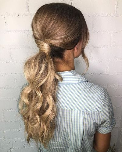 thin wavy hair in ponytail