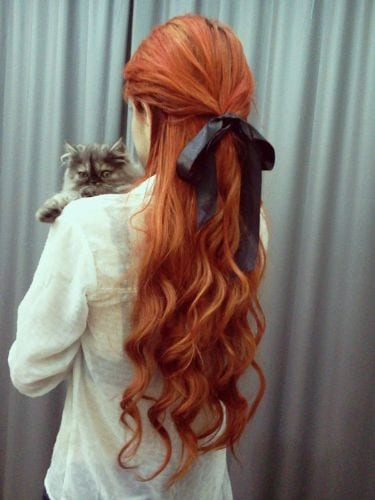 wavy hair with bow