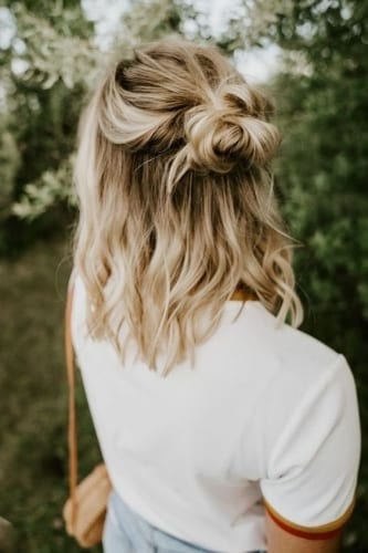 cool hairstyles for thanksgiving messy half bun