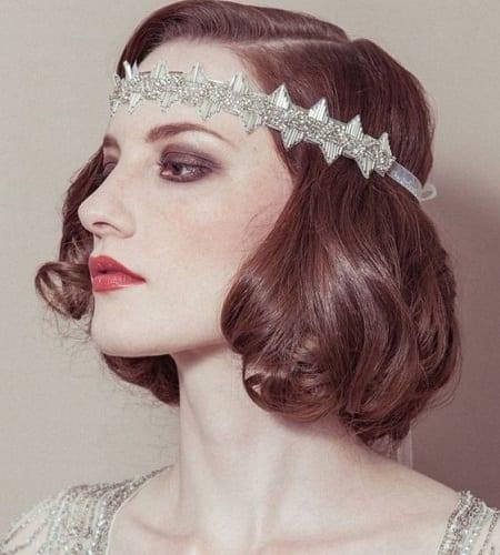 The 1920s Medium-Length Headband Hairstyle